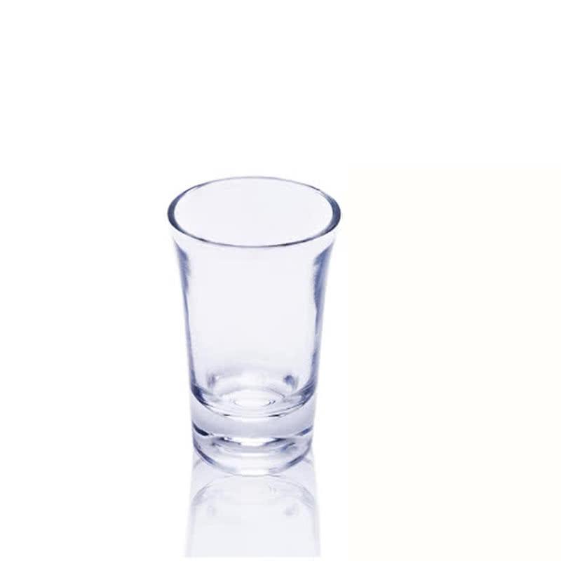 手拿酒杯照片素材